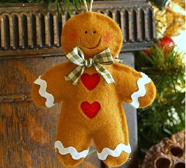 handmade-felt-gingerbread-man-christmas-decoration