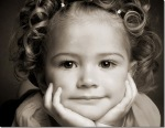 [wallcoo_com]_Close-up picture of a girl with curly hair_ISPC006091_thumb[7]